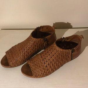 Sundance leather sandals